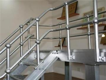 钢梯扶手立柱